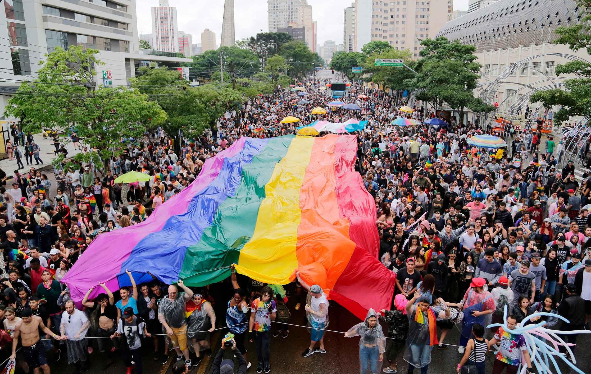 Direitos Humanos - parada lgbt